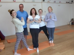 yoga-for-holiday-makers-group
